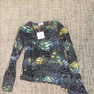 Tops - NWT Print Asymmetric Shirt- XS